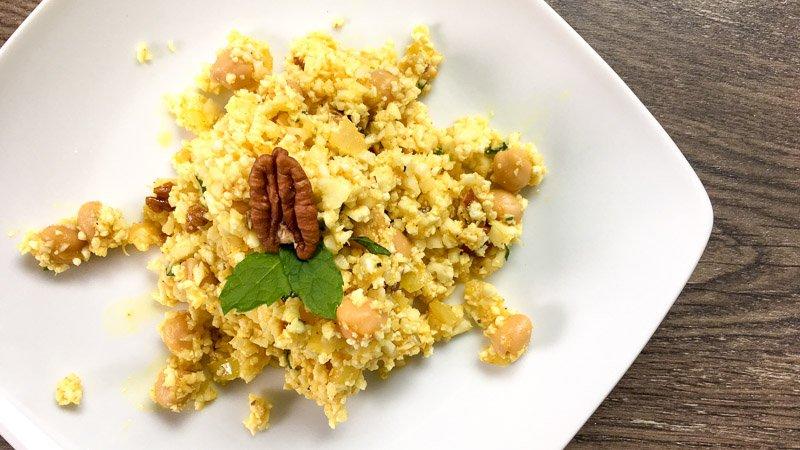 Blumenkohl-Reis-Salat mit Kichererbsen und Minze