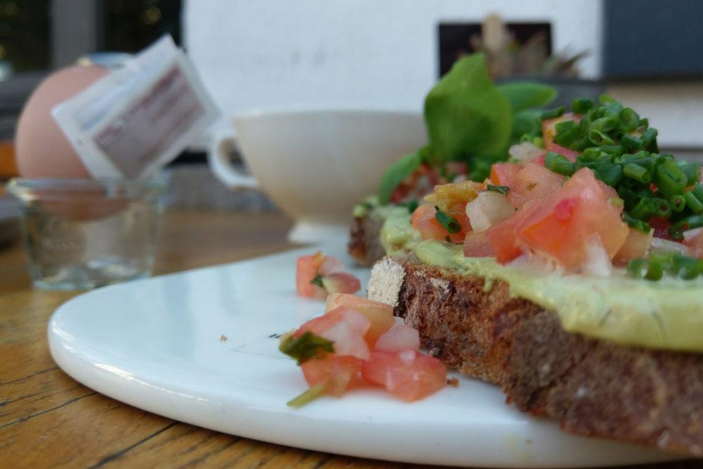 Tomaten-Avocadobrot